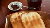 98살 노인 혼자 식빵 먹다 사망…