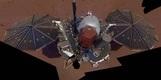 '화성 연착륙' 인사이트호, 첫 셀카 공개
