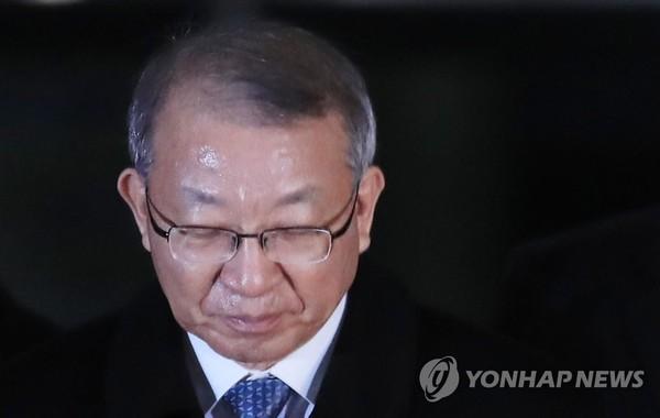 고개 숙인 양승태 전 대법원장/ 사진=연합뉴스