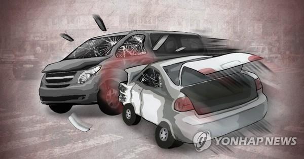 승용차-승합차 충돌 사고(PG)/ 사진=연합뉴스