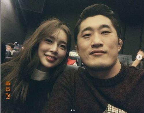 이종격투기 선수 김동현과 부인 송하율 씨 /사진=김동현 인스타그램