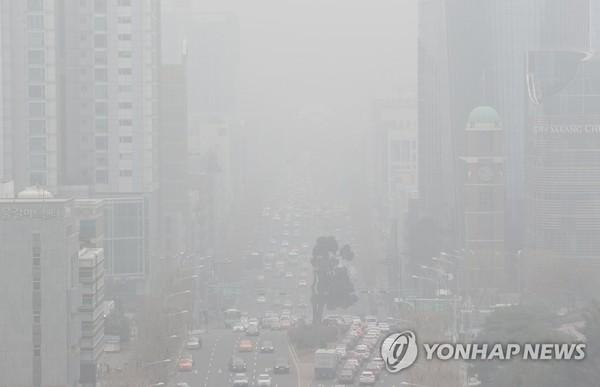 '안개인가, 미세먼지인가?'/사진=연합뉴스
