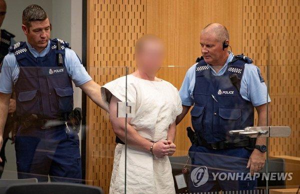 법정에 모습 드러낸 뉴질랜드 총격테러범 브렌턴 태런트 /사진=연합뉴스