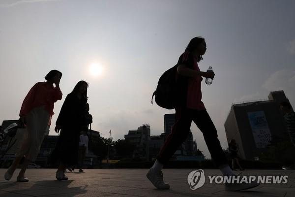 일찍 찾아온 폭염특보/사진=연합뉴스