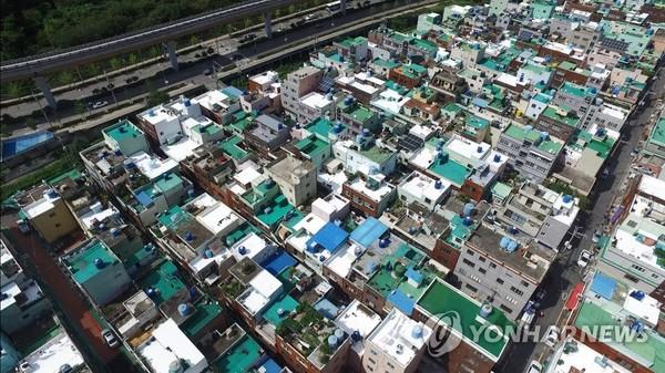 폭염 낮추는 흰색 지붕/사진=연합뉴스