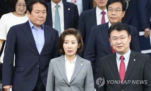 원내대책회의 참석하는 나경원/사진=연합뉴스