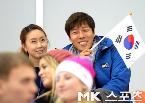 김동성: [소치] 김동성, `아내와 함께 이상화 응원해요`