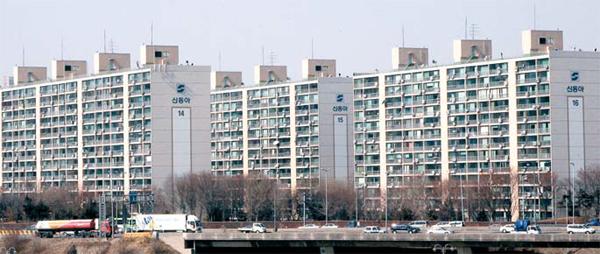 서울 용산구 서빙고동에 위치한 신동아아파트 전경.
