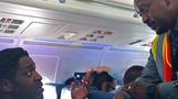 화장실 다녀왔다는 이유로 흑인 승객 내쫓은 항공사
