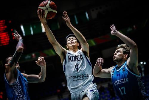 한국 남자농구 대표팀이 국제농구연맹(FIBA) 아시아컵 조별리그 C조 최종전에서 뉴질랜드를 1점차로 꺾었다. 사진=FIBA 제공