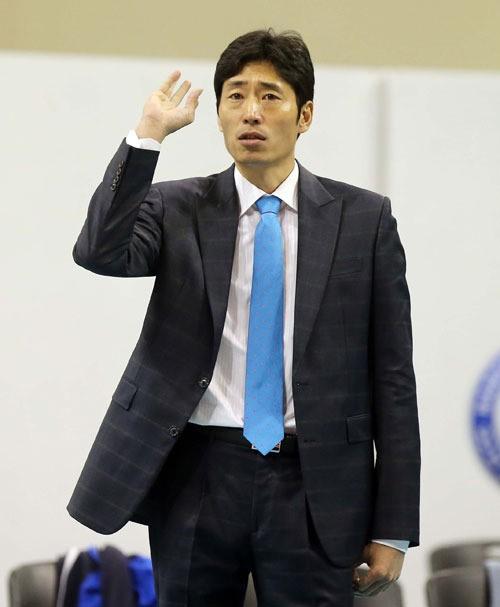 신진식(사진) 신임 감독이 이끄는 삼성화재가 컵 대회 첫 승을 따냈다. 사진=삼성화재 제공