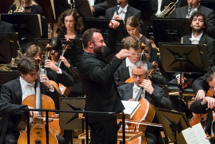 키릴 페트렌코와 바이에른슈타츠오퍼 오케스트라.