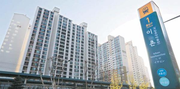 총 5개 아파트 단지가 통합리모델링을 추진 중인 서울 동부이촌동 일대. [김호영 기자]