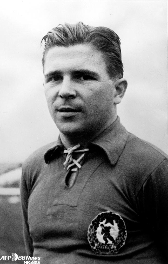 '무매독자' 푸슈카시 페렌츠는 20세기 유럽축구 최고스타로 평가된다. 한국과의 1954 스위스월드컵 2조 1차전에서는 결승골 포함 2득점으로 9-0 대승을 주도했다. 사진=AFPB...
