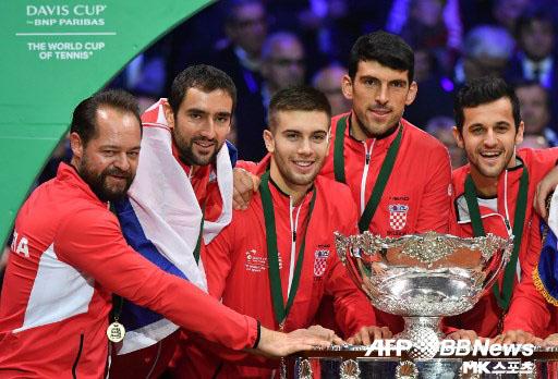 크로아티아가 데이비스컵 결승에서 프랑스를 꺾고 우승컵을 차지했다. 사진(佛 릴)=ⓒAFPBBNews = News1