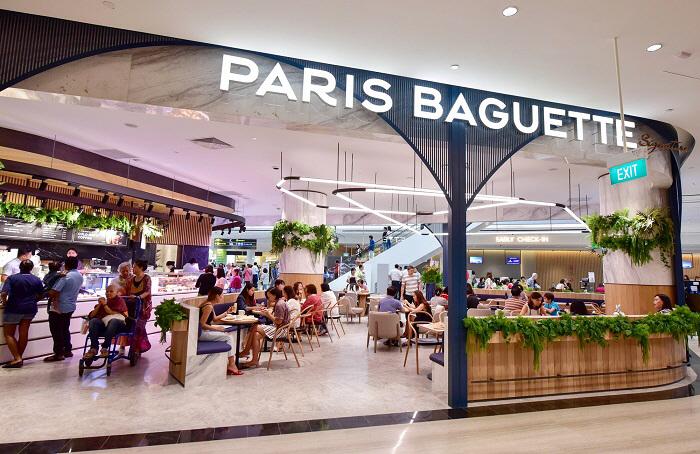 싱가포르 창이국제공항 주얼창이에 들어선 파리바게뜨. [사진 제공=SPC그룹]