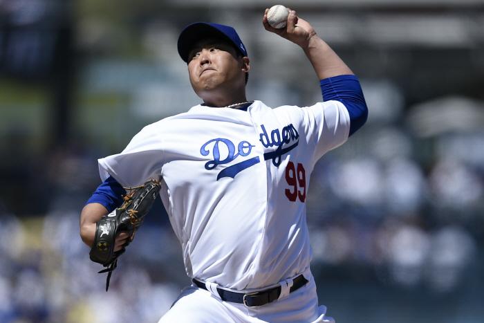 류현진의 역투…18년 만에 `한국인 MLB 개막전 선발승`  [로이터 = 연합뉴스]