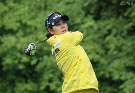 김지현이 두산매치플레이챔피언십서 우승을 차지했다. 사진=KLPGA 제공