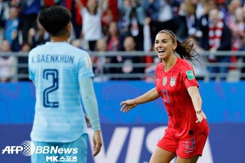 미국 여자 대표팀 에이스 알렉스 모건은 자신들에 대한 비매너 논란에 반박했다. 사진=ⓒAFPBBNews = News1