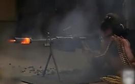 총알 700발 연사하자  불 뿜으며 녹아버린 기관총
